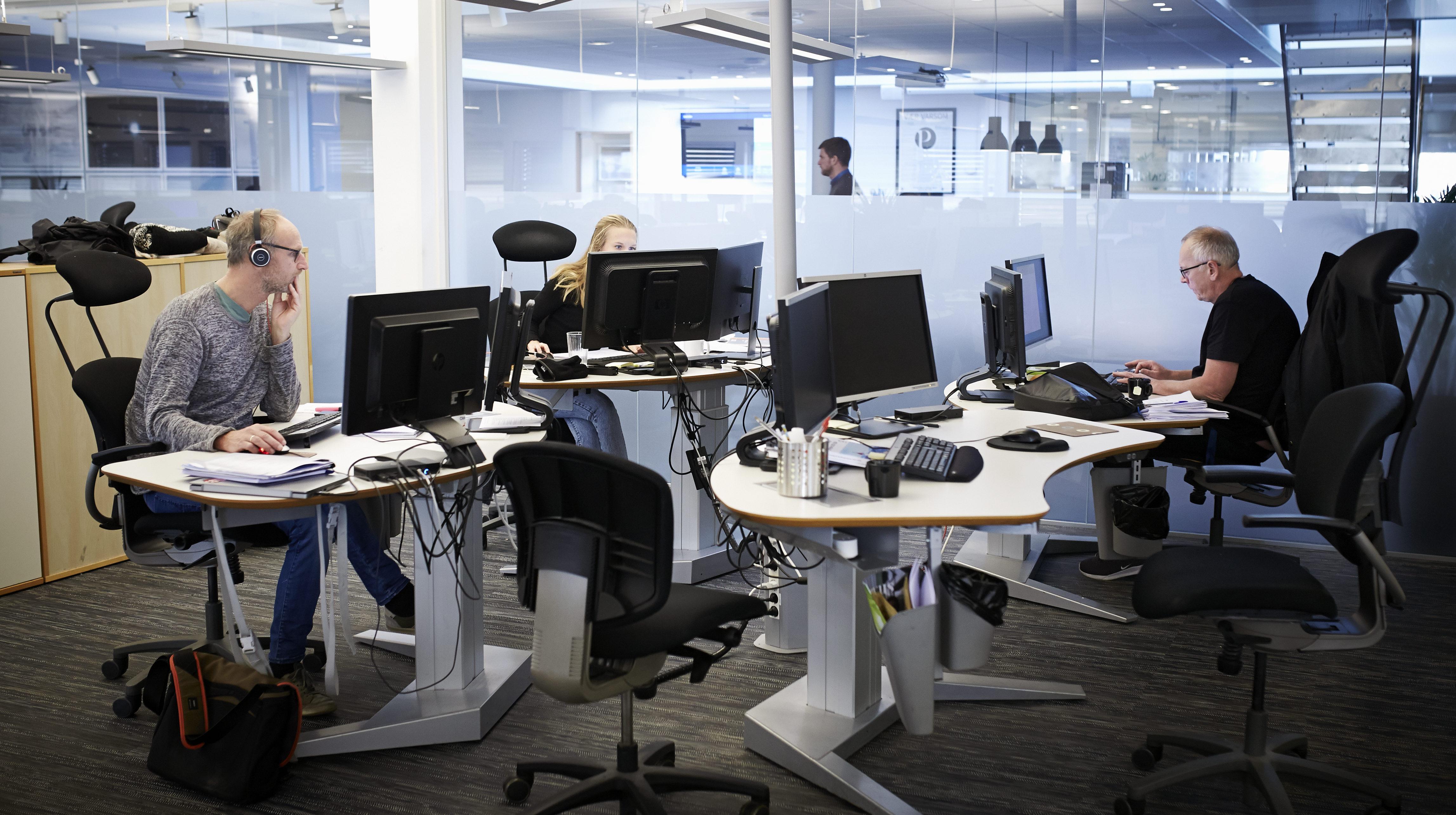 Bilde av ansatte på kontor